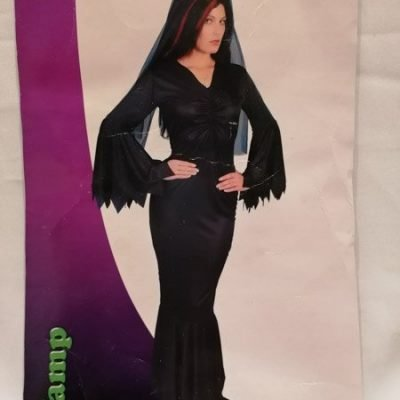 Black Jersey Vamp with fixed belt and veil Plus Size